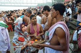 Who is supposed to perform Shradh Puja?