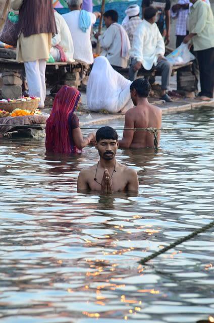 Significance of Pitru paksha Puja