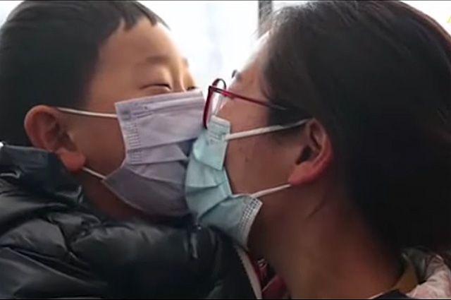 Что за клип на российскую песню сделали в Китае про пандемию коронавируса?