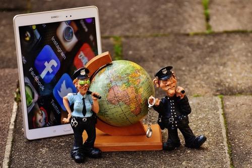 social-media-police