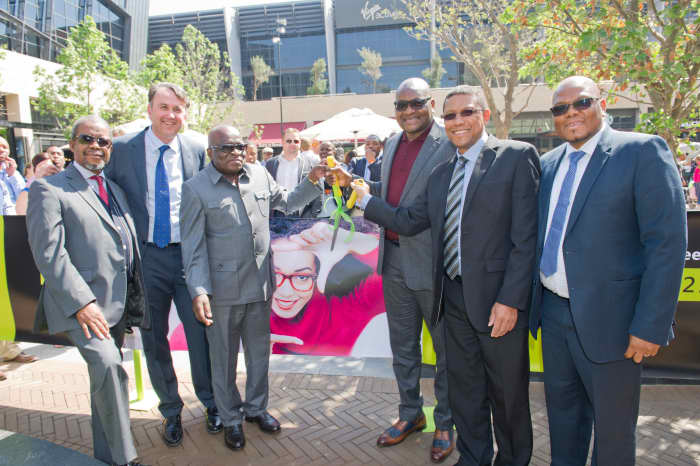 Central_Square_Menlyn_Maine_ribbon_cutting_ceremony_lc4ot1