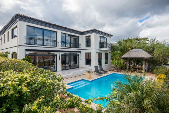 Bel'Aire Winelands Estate home