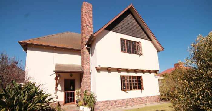 Pinelands home, Lew Geffen Sothebys