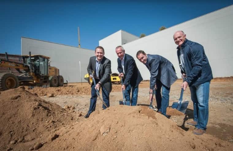 From left to right: Dr Hermann Kluge, Norbert Sasse - Group CEO of Growthpoint Properties, Dr Sarel Botha and Estienne de Klerk - CEO of Growthpoint South Africa at the Sod turning ceremony of Pretoria's premier Head and Neck hospital in Menlyn Main.