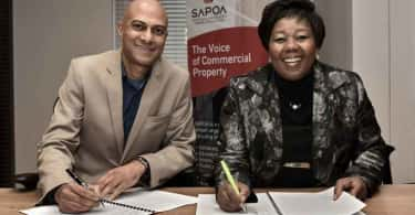 SAPOA CEO, Neil Gopal and PSCC CEO, Portia Tau-Sekati sign the Memorandum of Understanding in Johannesburg.