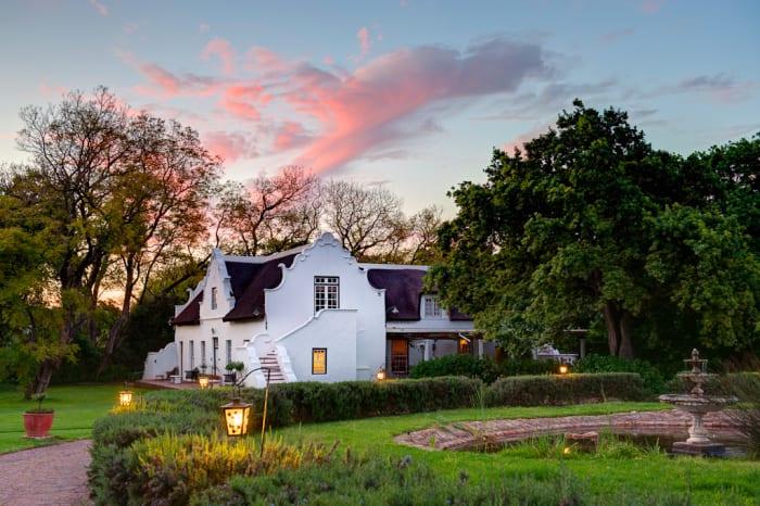 Cape Dutch Home, Chas Everitt