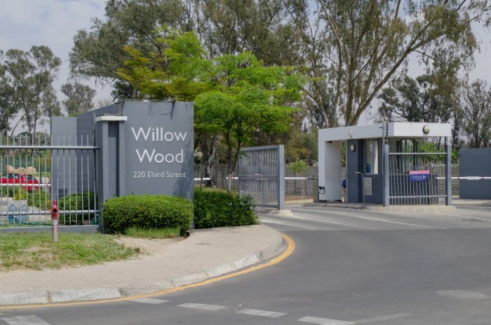Located along Cedar Road in Broadacres, Willow Wood Office Park offers a secure environment for occupiers.