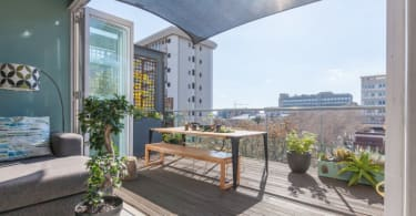 This luxurious penthouse is only a stone's throw away from Braamfontein's restaurants and nightlife and is being marketed for R2.5 million by Seeff.