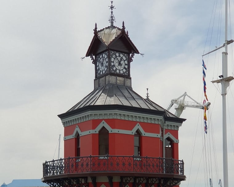 The Clock Tower at the V&A Waterfront has, at last, received its makeover in time to see in 2019.