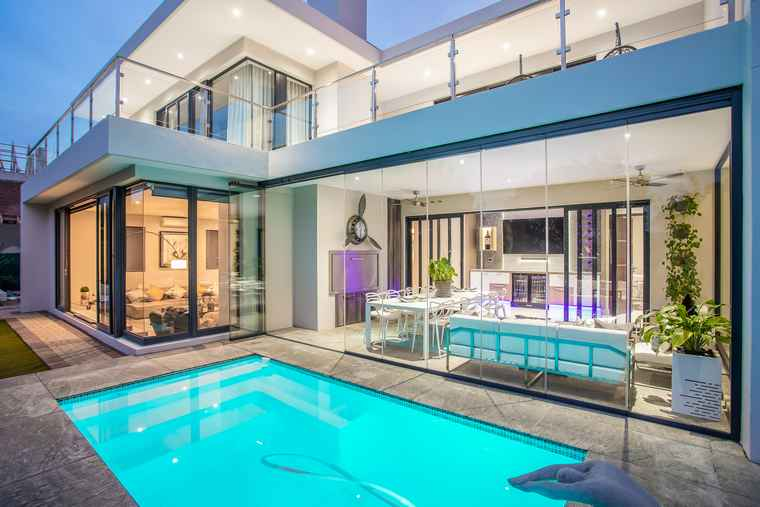 Pearl Valley at Val de Vie R17.9m: Priced at R17.9 million through Pam Golding Properties.