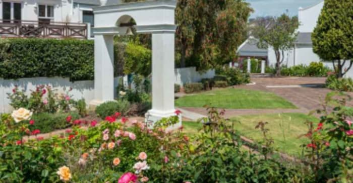 Somerset Gated Estate Chas Everitt