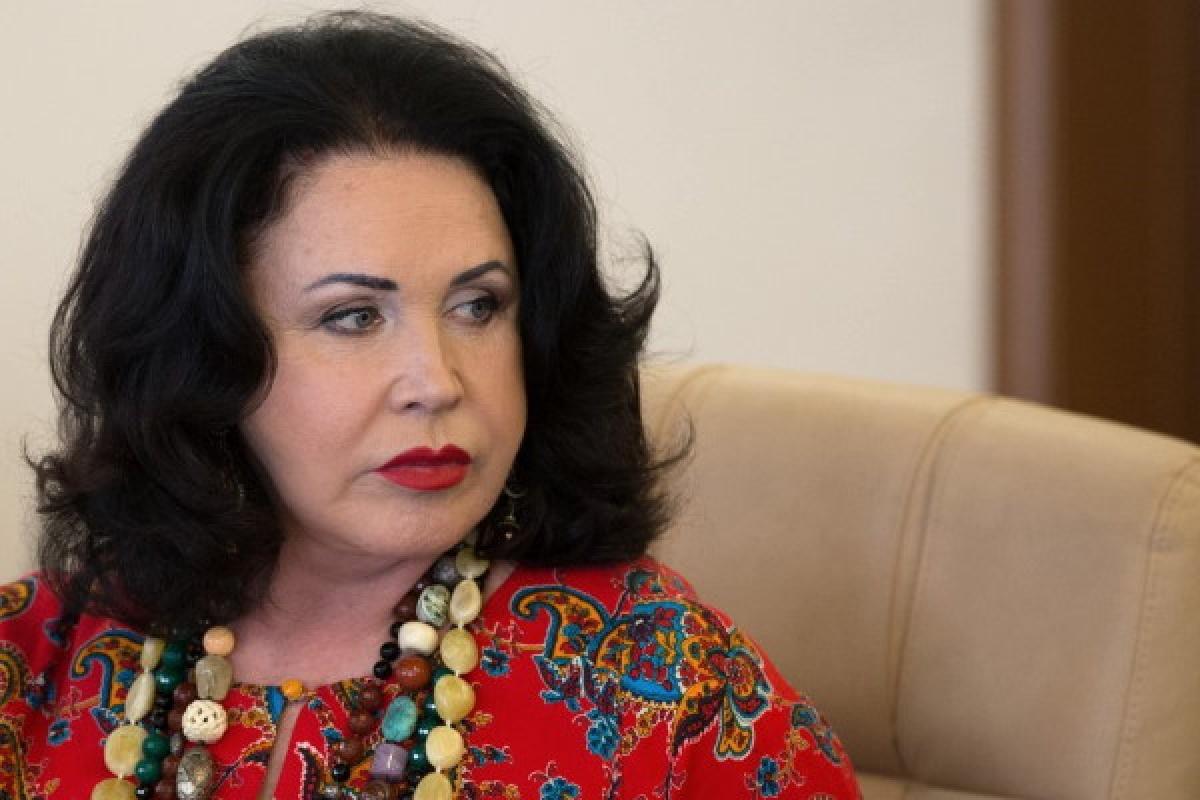 СМИ: Надежда Бабкина прикована к постели и общается жестами