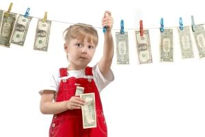 Ежемесячная выплата приемным родителям выплачмвается на каждого ребенка