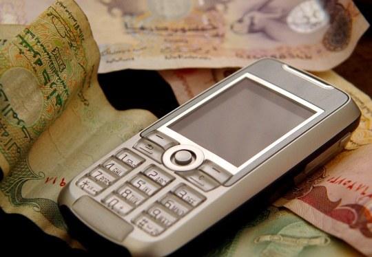 Что нудно взять с продовца если он не берет ломаный телефон