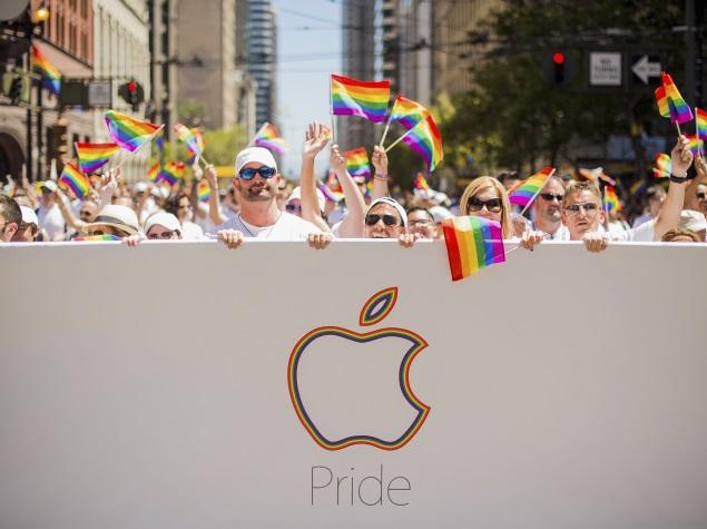 apple-parade-festival-reuters