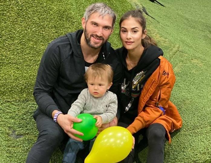 «Какие клевые»: Глюк'oZa похвалила Шубскую с Овечкиным за тренировку на дому