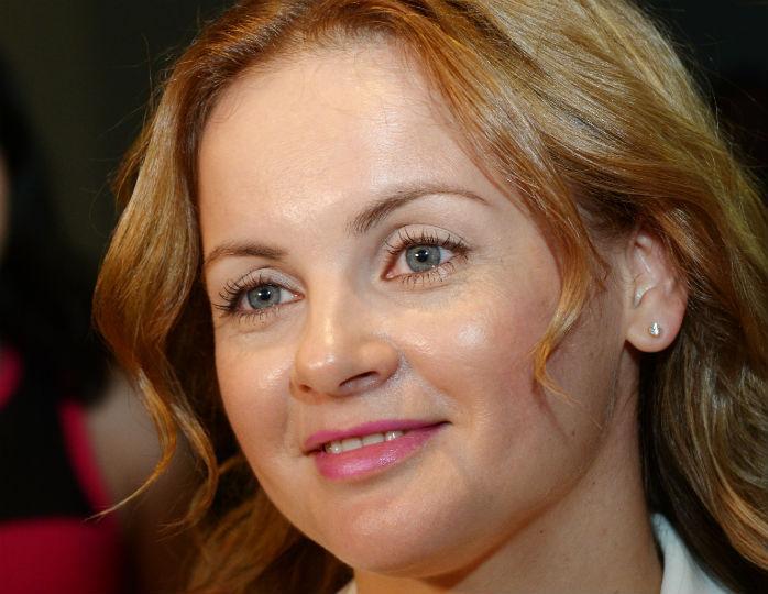 «Еще обязательно соберемся»: Проскурякова показала Аллу Пугачеву в белоснежном платье в пол