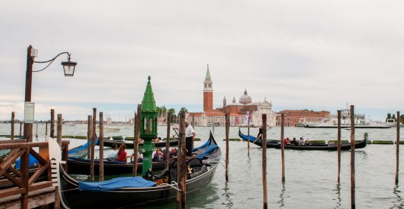 Classic Venice: 2-Hour Walking Tour with Basilica Entry