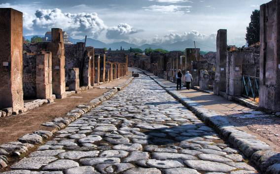 Ab Neapel: Pompeji & Amalfiküste Tagestour mit Mittagessen