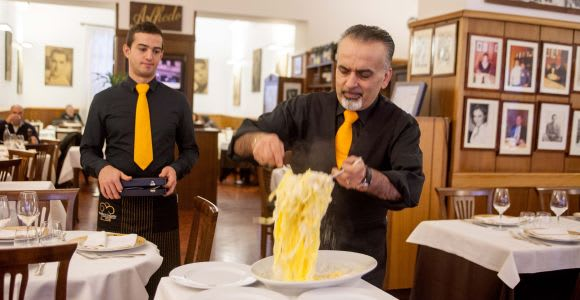 Alfredo alla Scrofa Restaurant in Rome: Eat Like a Star