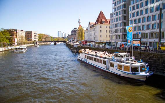 Berlino: giro in barca di 2 ore e 30 minuti lungo la Sprea
