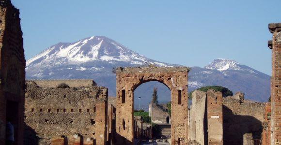 From Naples: Skip-the-Line Pompeii and Vesuvius Tour