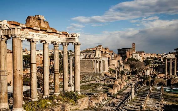 Roma: tour a piedi tra Colosseo e Roma antica