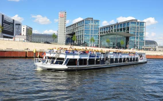 Berlino: autobus turistico-panoramico e giro in barca