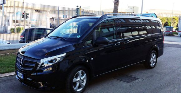 Shared Shuttle between Fiumicino Airport & Rome