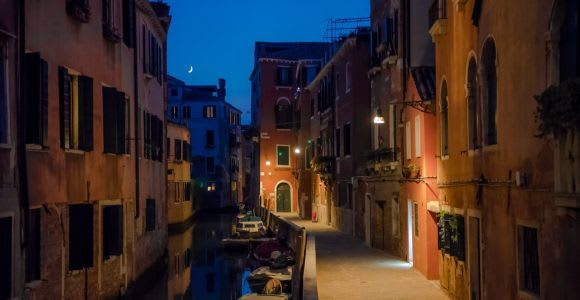 Venice: 2-Hour Legends and Ghosts of Cannaregio Tour