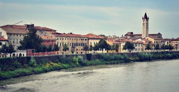 Welcome to Verona: Private Walking Tour with a Local