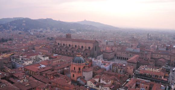 Bologna: Private Tour with a Local Guide