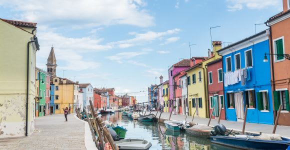 Venice: Murano and Burano Half-Day Glass and Lace Tour