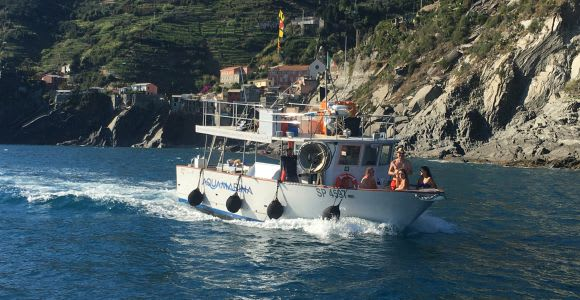 Cinque Terre Boat Cruise with Appetizer and Lunch
