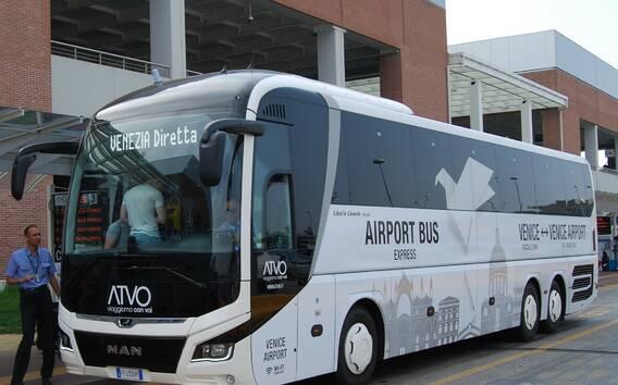 Autobus z lotniska Marco Polo do centrum Wenecji
