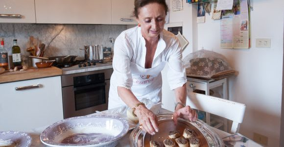 Arezzo: Cooking Class at a Local's Home