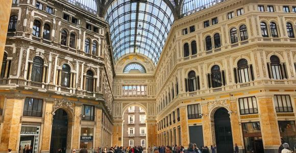 Naples 2-Hour Walking and Sightseeing Tour with Local Guide