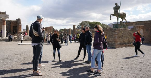 3-Hour Pompeii Private Tour with an Archaeologist