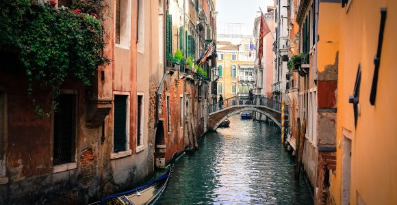 Venice: Private Gondola Ride for up to 6 People
