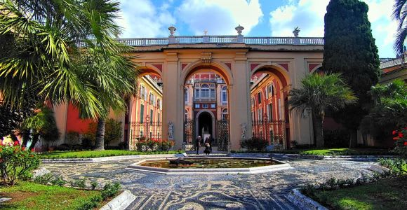 Genoa: Palazzi dei Roll and Palazzo Reale Guided Tour