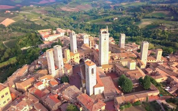 Tuscany: Siena, San Gimignano, Chianti, and Pisa Tour