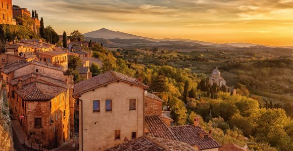 Montalcino: Castle and Vineyards Tour with Tasting