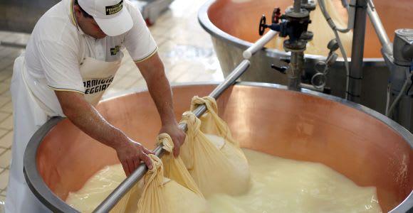 Parma: Parmigiano-Reggiano Cheese Tour