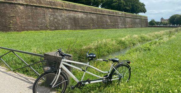 Lucca: Tandem Bike Rental City Tour
