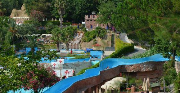 Albenga: Le Caravelle Water Park Open Date Entrance Ticket