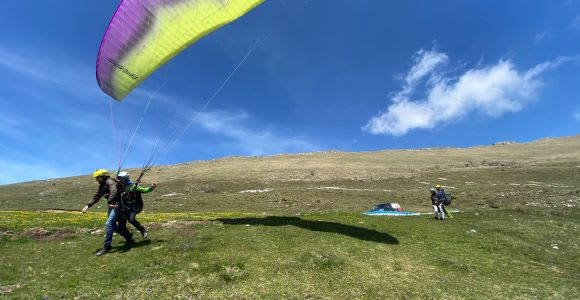 Lake Garda: Paragliding Experience and E-Bike Tour