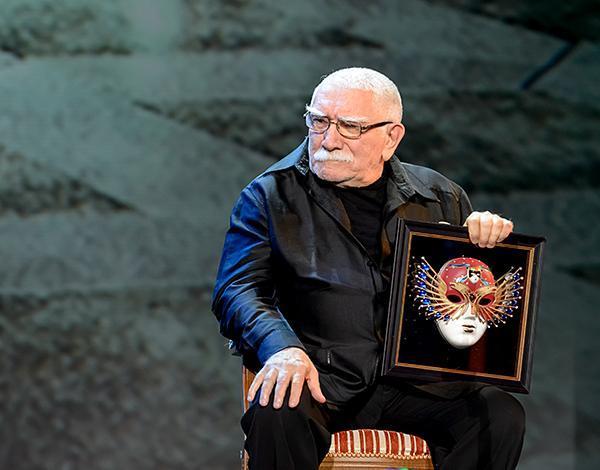 «Не овощ»: Сын Армена Джигарханяна Степан прокомментировал заявление Марка Рудинштейна о состоянии отца