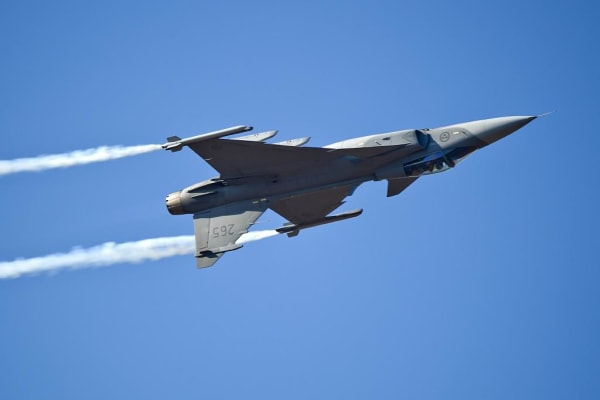 gripen-air-display--aero-india.jpg