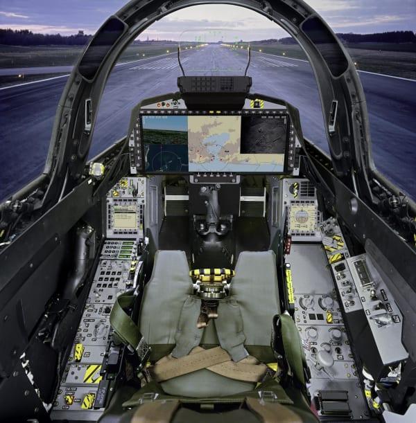 cockpit_gripene.jpg