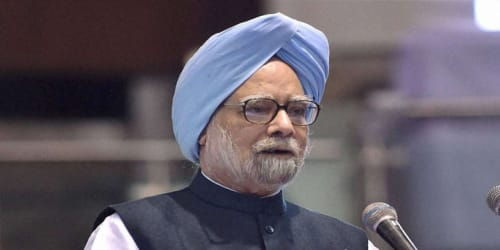 Dr Manmohan Singh becomes Prime Minister at a time when the country was on the edge: Sonia Gandhi